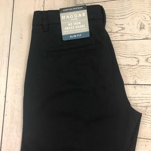 Haggar H26 W30 x L32 Black Slim Fit No Iron Khakis